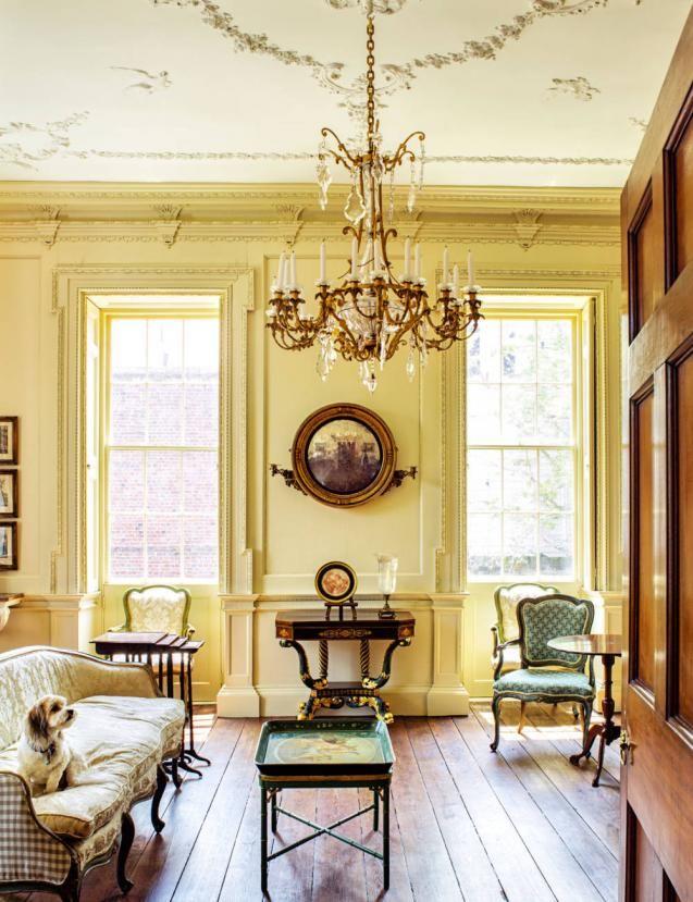 charleston home design%0A A Charleston interior