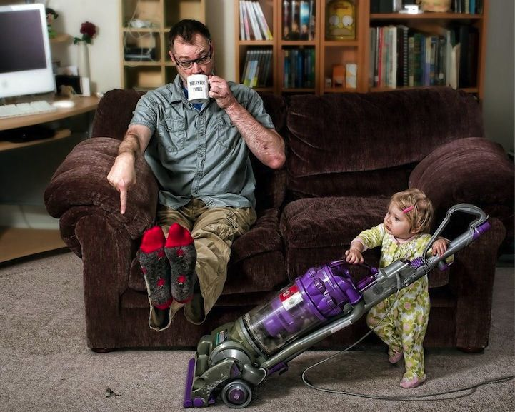 "Hilarious Dad is Self-Professed ""World's Best Father"" This guy has some hilarious photos!"