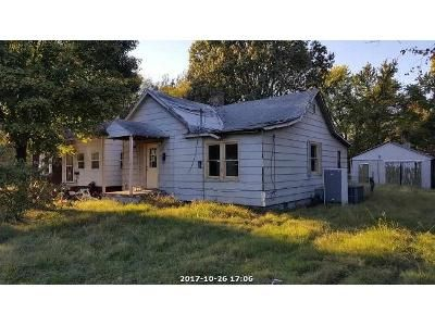 Cheap $2,500 property for sale located at  Mckinley St Paducah, KY 42003, Paducah, KY 42003, Mccracken County, 1 Beds, 1 Baths, 755 Sq/Ft
