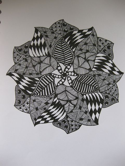 Hmmmmm...interesting:  Zentangle by Claudia's Paper Crafts (NL) on Flickr
