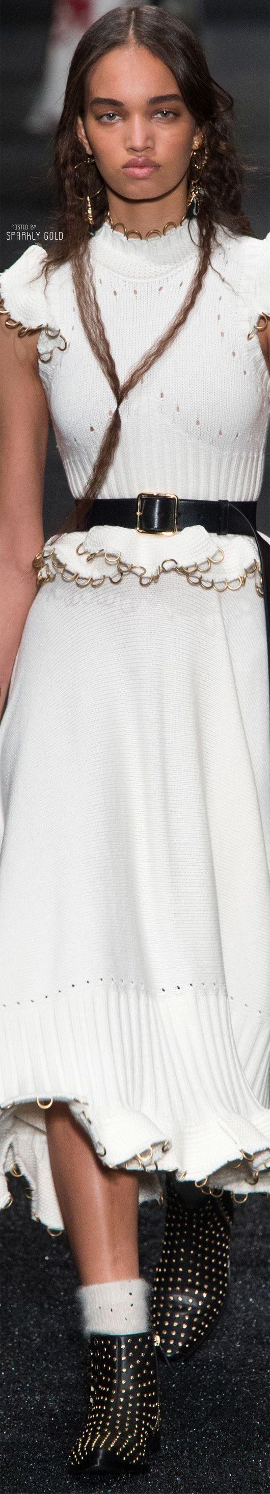 Alexander McQueen Fall 2017 RTW