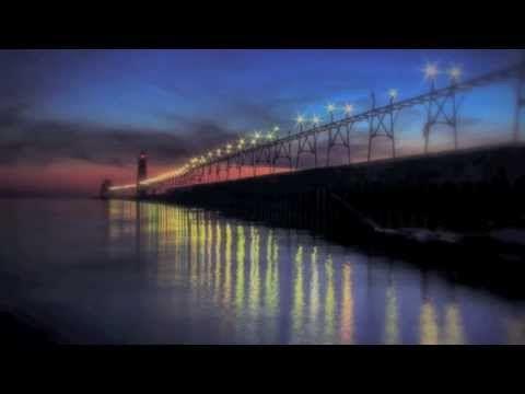 Hotel California por The Eagles (Letra en Inglés) - YouTube