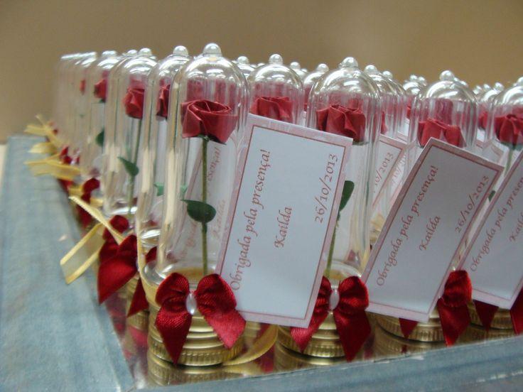 Lembrancinhas mini tubo, com mini rosa em origami, a base pode ser prata ou dourada, ideal para lembrancinhas de aniversário, casamento, batizado.    Confecionamos também outras cores de rosas ou tulipas na pet festas com o tema princesas ficam inesqueciveis quando levamos para casa este pequeno ...