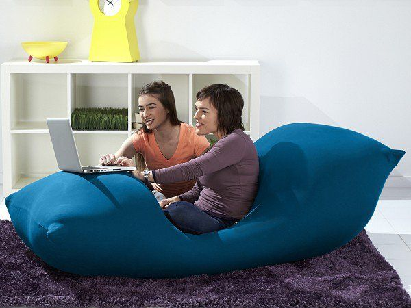 The Grommet Team Discovers Yogibo Whose Huge Bean Bag Chairs Have A Frictionless Filling That Make It Most Comfortable Chair