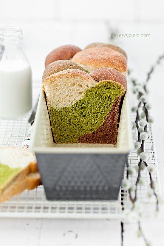 Challah bread ... Three colors : matcha & cocoa !