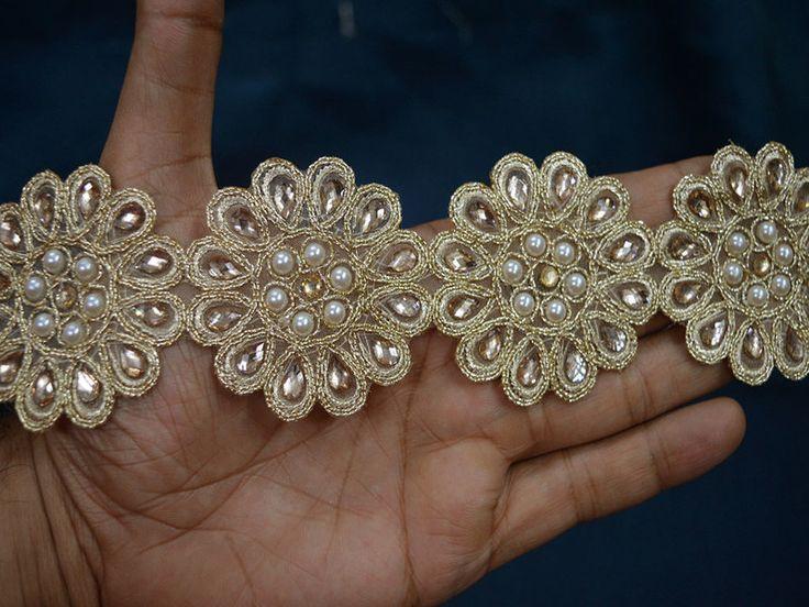 Kanten lint - Gouden Kundan Lace toeters en bellen - Een uniek product van indianlacesandfabric op DaWanda