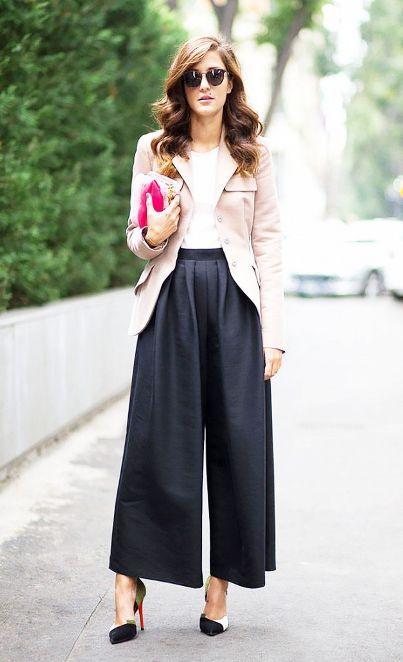 黒のスカンツは脚長効果に期待の1着♪40代アラフォー女性におすすめのスカンツコーデ♪