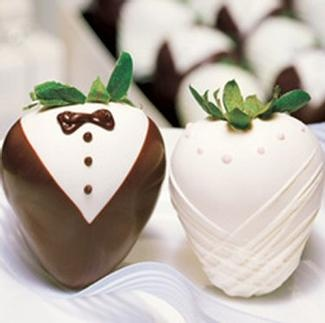 bride and groom chocolate dipped strawberries - I have to have chocolate covered strawberries at my wedding because when I was a little girl I thought you couldn't get married without having them