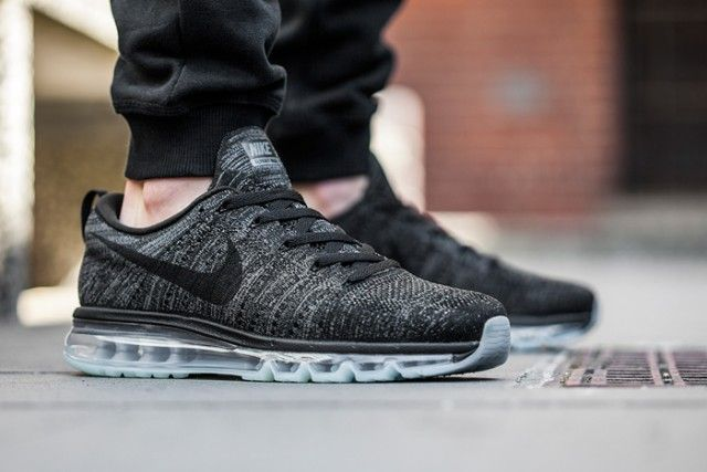 Nike Air Max Flyknit Black