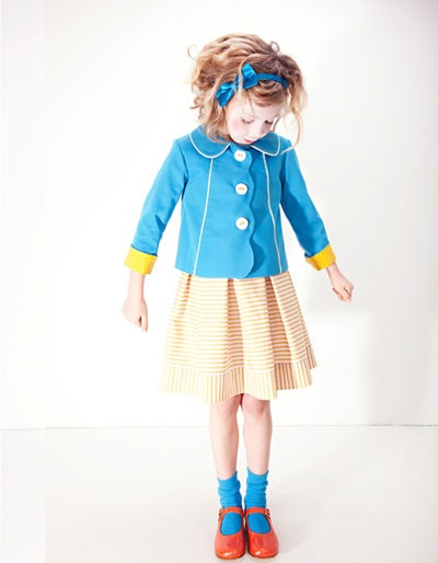 Adorable outfit and perfect color combination!