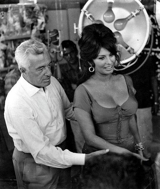 """Sophia Loren and Vittorio De Sica's, """"La riffa"""", an episode of the anthology film Boccaccio '70 (1962)"""