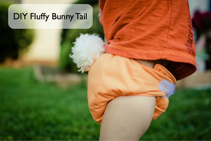 Easy DIY furry bunny tail made using boa yarn.  Cute photo prop for Easter!Easter Photos, Diy Bunnies, Cloth Diapers, Bunnies Tail, Photo Props, Clothing Diapers Bunnies, Photos Props, Pom Pom, Baby Stuff