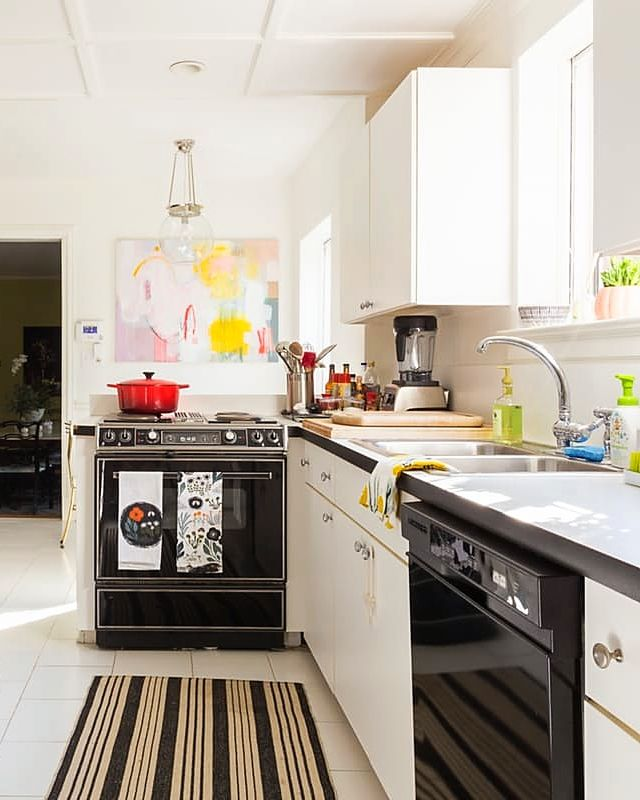 Apartment Therapy Kitchen Shelves: 1000+ Images About Kitchens On Pinterest