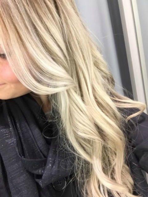 A'la Annn: Blonde hair Don't care.