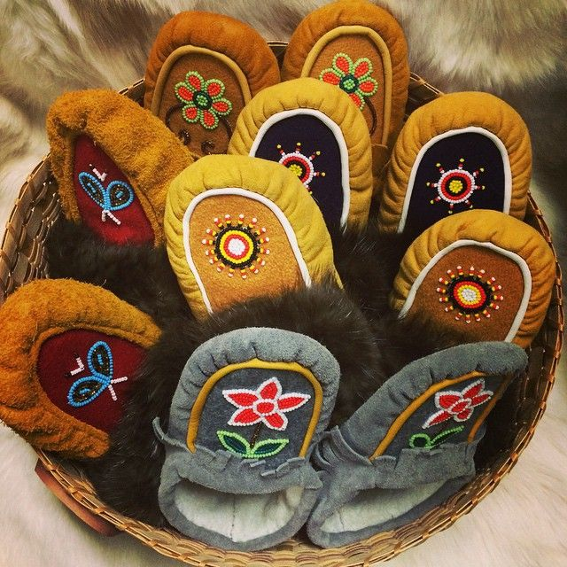Wishing you a happy #mocmonday !!!! Visit us for a warm pair of moccasins links in the bio ! #rockyourmocs #moccasins #handmade #oneofakind #buysocial