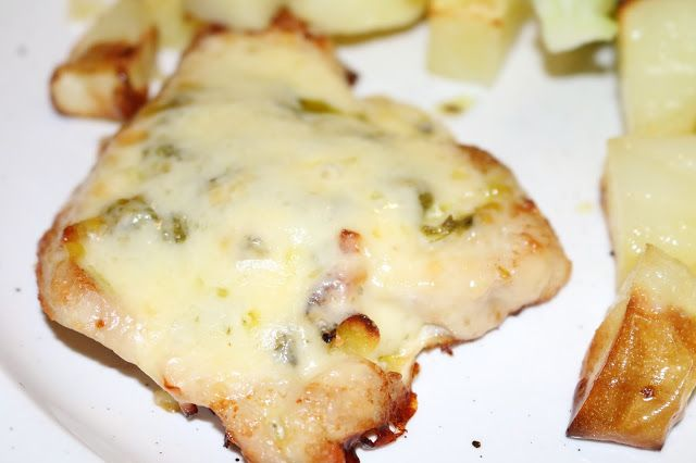 JibberJabberUK: Baked turkey steaks with pesto and cheese
