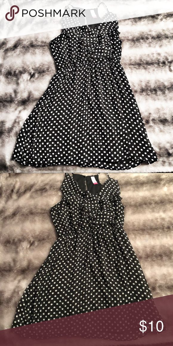 Polka dot spaghetti strap dress Worn once. This dress is perfect, for a night out! It gives Marilyn Monroe vibes, you will be sure to be the spotlight anywhere you go. ❤️ Dresses