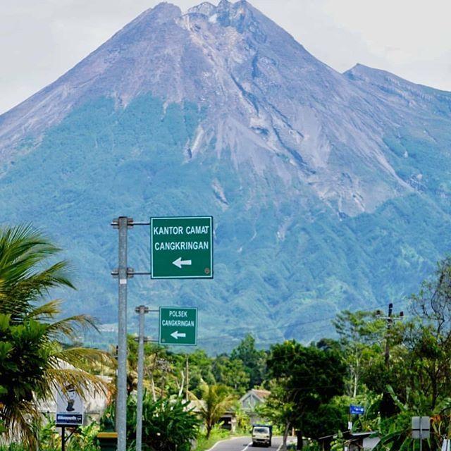 New The 10 Best Travel Ideas Today With Pictures Apa Kata Yg Pantas Untuk Menggambarkan Merapi Lokasi Dep Natural Landmarks Landmarks Highway Signs