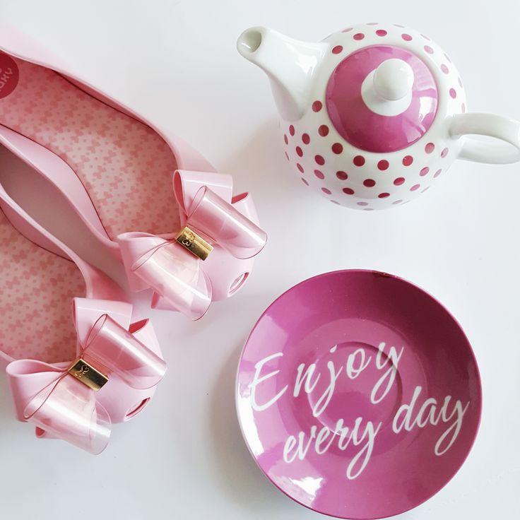 więcej inspiracji na profilu Answear na Instaramie #pink #melissa #shoes #answear