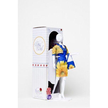 Witajcie, Nowość w naszej ofercie:)  Dress Your Doll - Manekin, Lalka jak Barbie dla Dzieci od lat 7.  Manekin pomaga w szyciu ubranek dla lalek, wykrajaniu oraz przymierzaniu.   W zestawie pionowy stelaż, na którym układamy lalkę oraz jedno ubranko do samodzielnego uszycia.  Chcesz zostać projektantką?  http://www.niczchin.pl/zabawki-do-uszycia/2330-dress-your-doll-manekin-lalka-jak-barbie.html  #dressyourdoll #manekin #projektowanieubranek #zabawki #niczchin #krakow