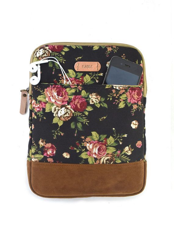 Protect your iPad with this cute padded ipad sleeve which is designed to protect your ipad from dust and scratches. It´s made of canvas fabric and padded