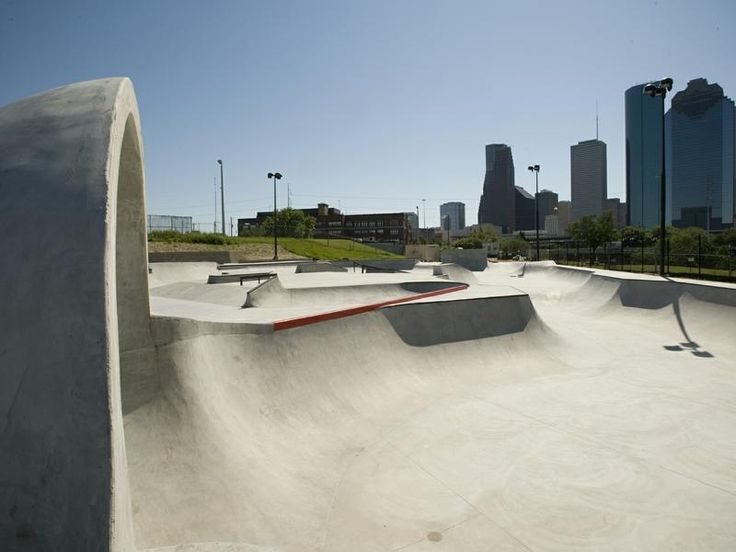 https://www.downtownhouston.org/site_media/uploads/photos/2010-02-17/Skatepark1_800x600.jpg