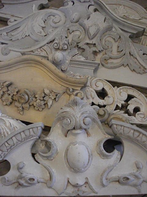 atelier carved crests  (Amazing)Atelier De, Site Design, Architecture Piece, Architecture Salvaged, Interiors Design, Doors Way, Architecture Details, French Style, Country
