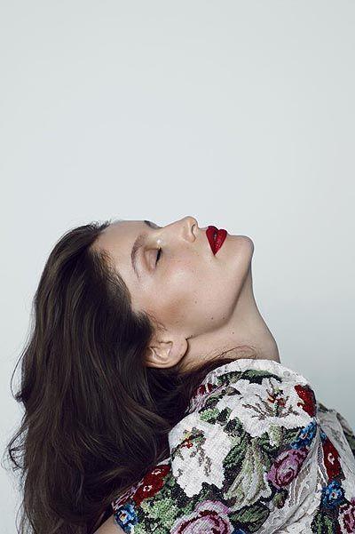 Летиция Каста на обложке Flair