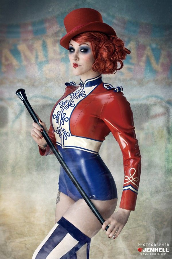 Lady Lucie Latex