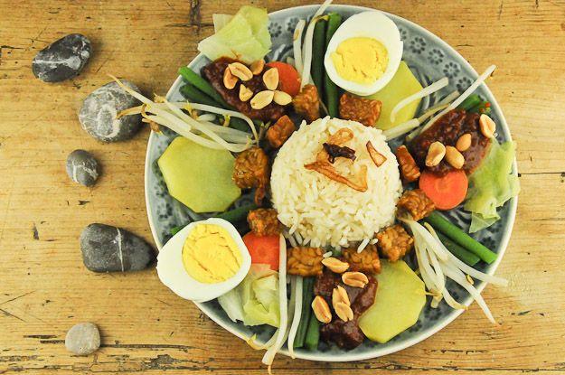 Vegetarischer Klassiker aus Indonesien: Gado-Gado - Wo der Pfeffer wächst –Reisen und Speisen