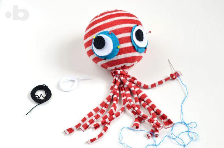bloody crafts: Socktopus tutorial