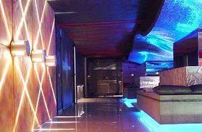 Частный ночной клуб  http://www.insidestudio.ru/#!private-nightclub/cozg