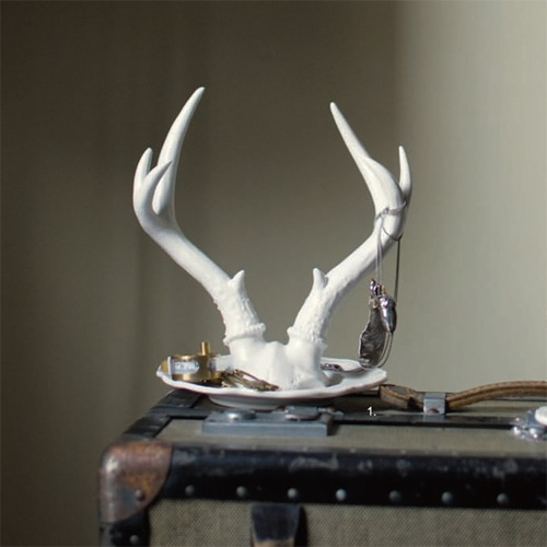 Royal Antler Jewelry Holder -   Decorate your vanity with the anters thats decorate some of nature's most majestic beasts. Modeled after deer antlers, these jewelry holders are the perfect combination of masculine and feminine aesthetics. Made of fine porcelain, the Royal Antler Jerelry Holders will suit the King or Queen in your life $64.95