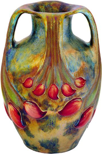 Zsolnay - Tulipánbimbós váza négy füllel, Zsolnay, 1900 körül