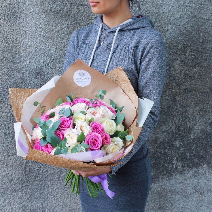 Шикарный букет из роз разного сорта, включая великолепные, ароматные Розы Дэвида Остина!