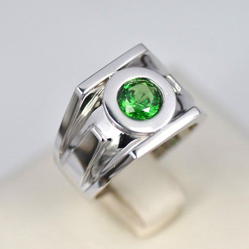 Green Lantern Emerald 925 Silver Ring - somehow girly - The Green Lantern Wearer can create powerful physical constructs using only their own will power; anything the Green Lantern can think of, they can successfully recreate.
