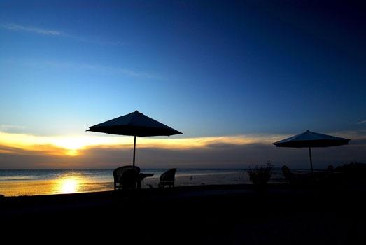 Sunset in Wakatobi. www.sunnyindonesia.com.