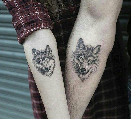 best 25 small wolf tattoo ideas on pinterest wolf. Black Bedroom Furniture Sets. Home Design Ideas
