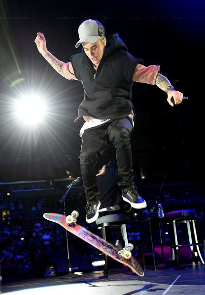 An Evening With Justin Bieber - Performances