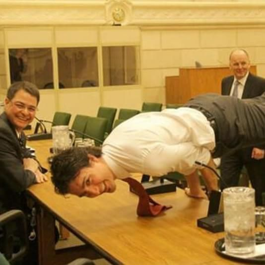 Justin Trudeau Prime Minister Of Canada Poses For A: Why Justin Trudeau And Other World Leaders Love A Yoga