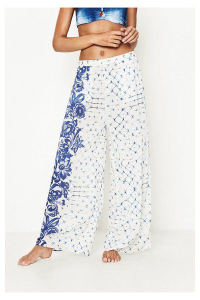 Pantaloni Helen Desigual. Vivi l'estate e la spiaggia con il tuo stile!
