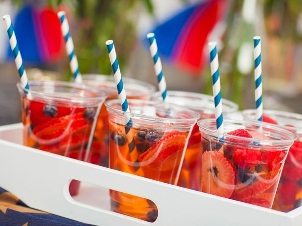 #QuartersOnCampus Red, White & Blue Sangria from the Revelry House 4th of July party collection!