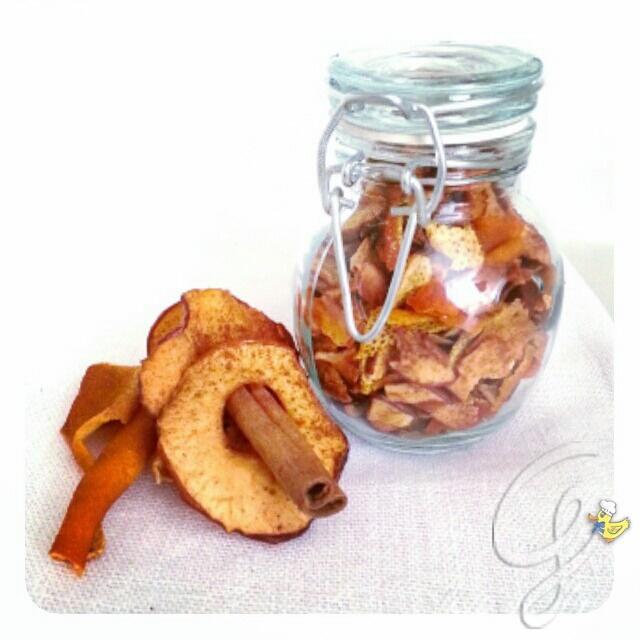 """Infuso energizzante arancia, mela e cannella da """"fine del Mondo""""!"""