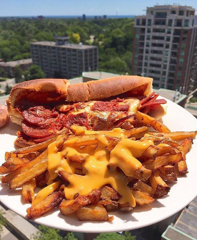 Celebrity food binges clue