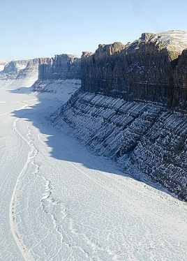 Naukowcy odkrywają tajemnice Antarktydy. Znaleźli największy kanion na świecie - http://tvnmeteo.tvn24.pl/informacje-pogoda/nauka,2191/naukowcy-odkrywaja-tajemnice-antarktydy-znalezli-najwiekszy-kanion-na-swiecie,190899,1,0.html
