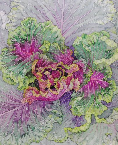 Julia Loken is an English botanical artist. Inpiration for her work comes from the garden surrounding her home in the village of Eynsham, west of the city of Oxford.