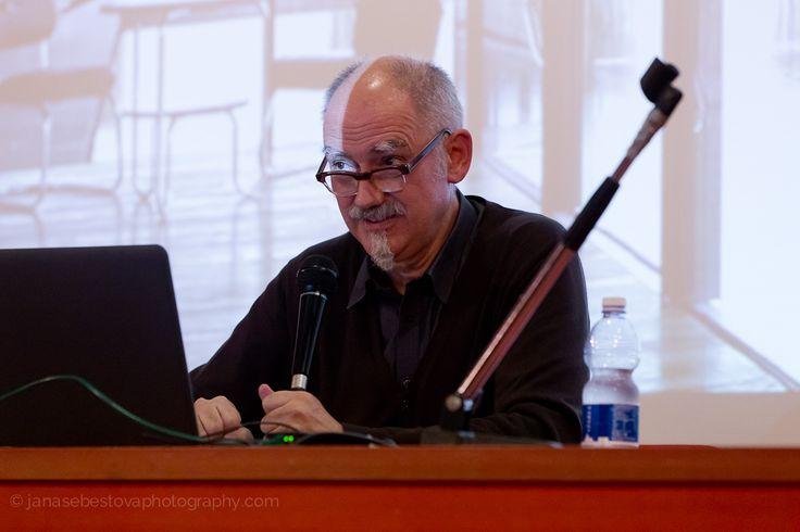 L'incontro del 15 ottobre con l'architetto Peter Wilson, ultimo ospite di #LookingAround, © Jana Sebestova