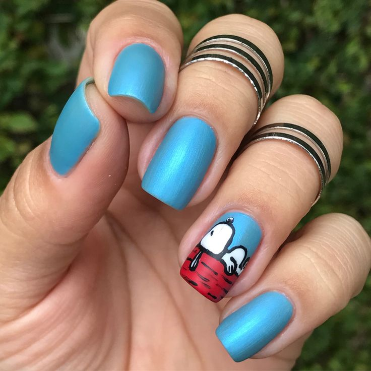 Tutorial Nail Art Snoopy - http://www.pausaparafeminices.com/esmalte/tutorial-nail-art-snoopy/