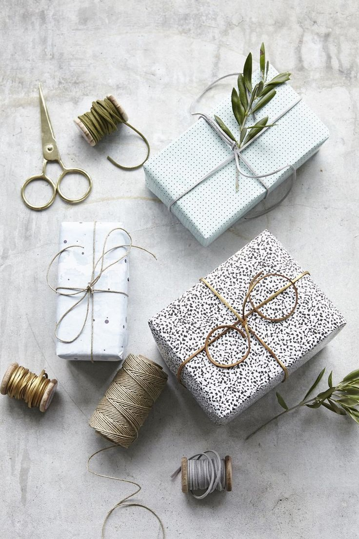 So, so pretty - Gold leather string makes this gift wrapping special!