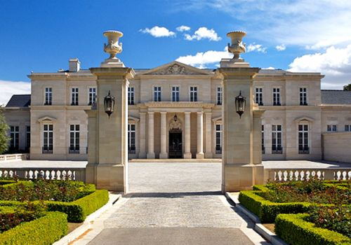 Biggest mansion in the world largest house fleur de lys for Worlds best house